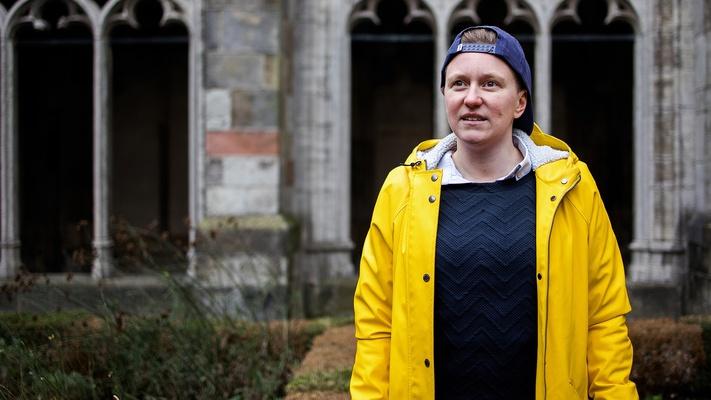 """Eleonore valt op vrouwen en blijft single: """"God weet wat goed voor mij is"""""""