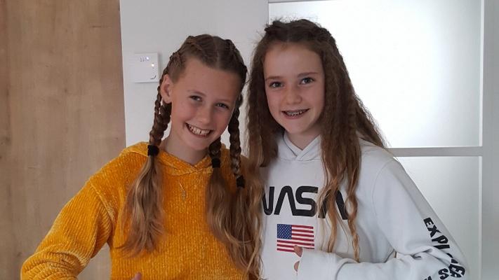 """Elise (12) en Jemima (12): """"We geloven dat we door God nog steeds vriendinnen zijn"""""""