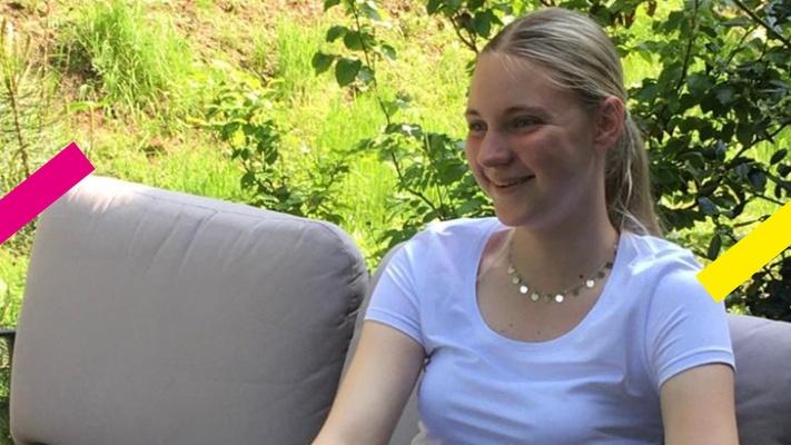 Kirsten (16) gelooft, maar haar ouders niet: 'Als ik niet op een christelijke school had gezeten, had ik nooit geloofd'