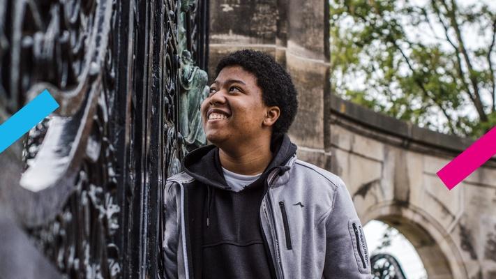 """Samuël (19) startte een gebedsgroep: """"Bidden kan juist in deze tijd een verschil maken"""""""