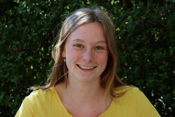 """De jeugdvereniging van Sarah (18) zet zich in voor Code Rood: """"We willen Gods liefde laten zien."""""""