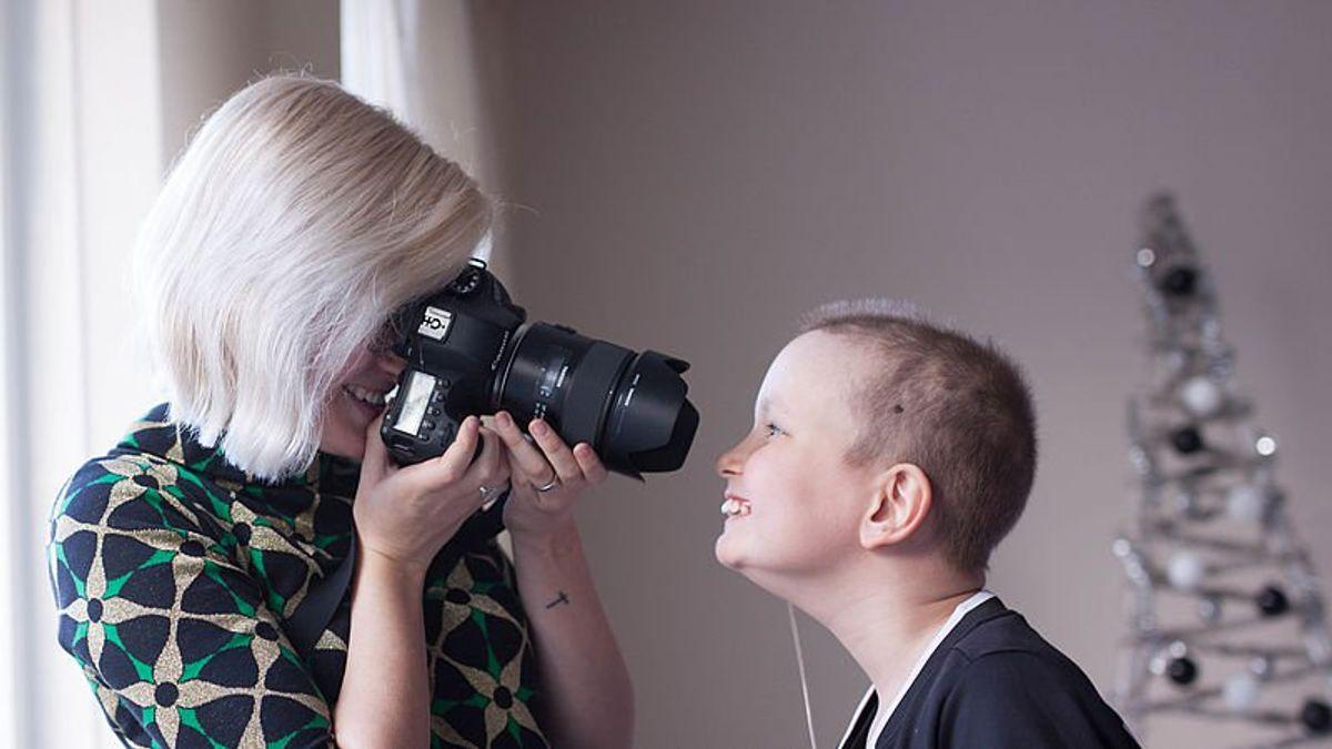 Marijn_maakt_foto_van_kind_met_kanker