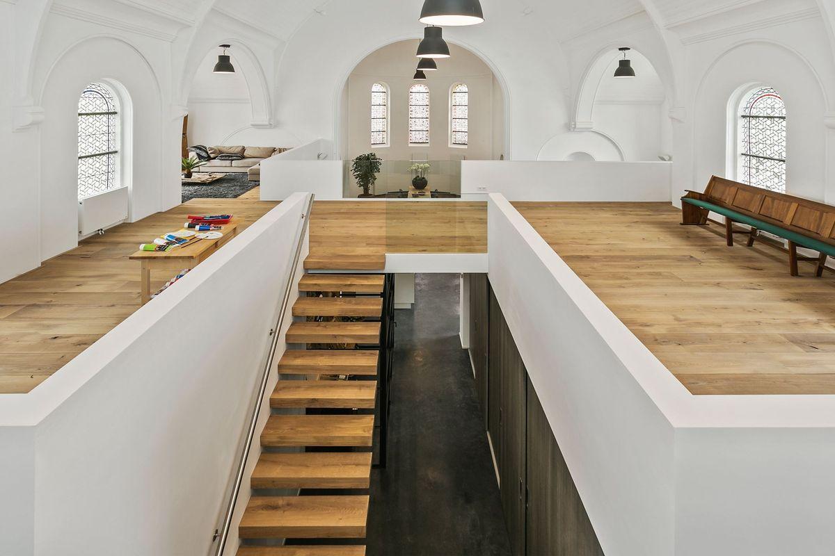 kerk_te_koop_hulsel_bovenverdieping